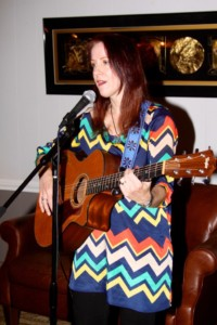 alice-singing-at-sylvia-book-launch